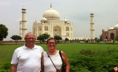 Client Visit Of Taj Mahal - Indiator