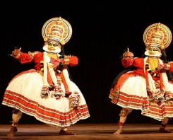 Kathakali Dance Show With Delicious Dinner