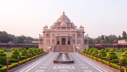 Ahmedabad City Tour With Akshardham Temple