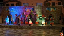 Amritsar Night Tour With Dinner At Sadda Pind