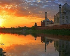 Private Full Day Agra City Tour with Sunrise Visit of Tajmahal