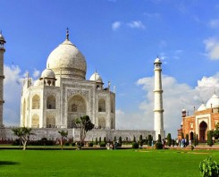 Same Day Tour to Taj Mahal