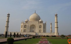 magnificent allure of the Taj Mahal