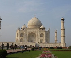 magnificent allure of the Taj Mahal