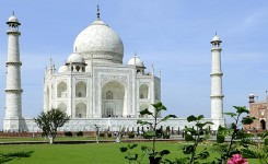Day Trip To Taj Mahal
