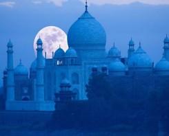 Taj Mahal Visit In Moonlight - indiator