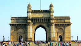 Mumbai sightseeing and Bollywood tour