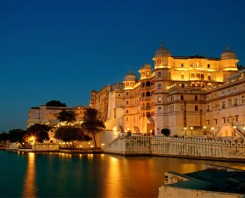 Private Tour From Delhi To Udaipur Via Agra