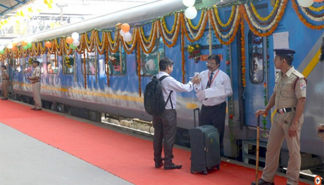 Agra Tour from Delhi with Super Fast Train