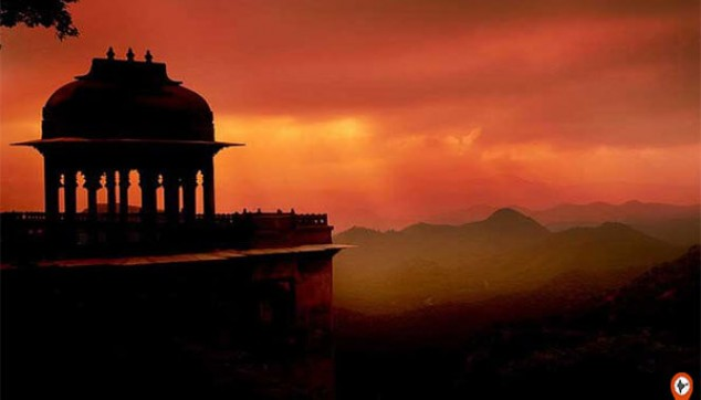 Private Sunset Tour Of Monsoon Palace