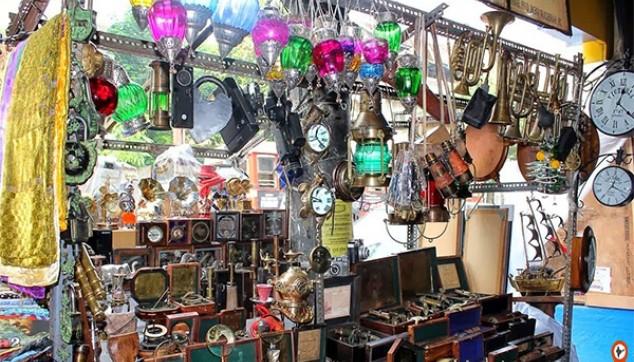 Chor Bazaar Private Tour
