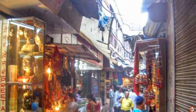 Colourful Bazaars Of Varanasi