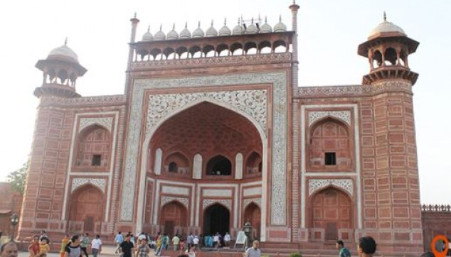 architecture of the Agra Fort