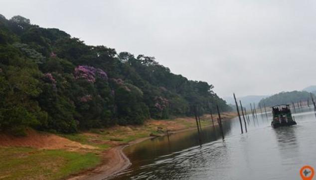 Backwaters of Kerela tour package