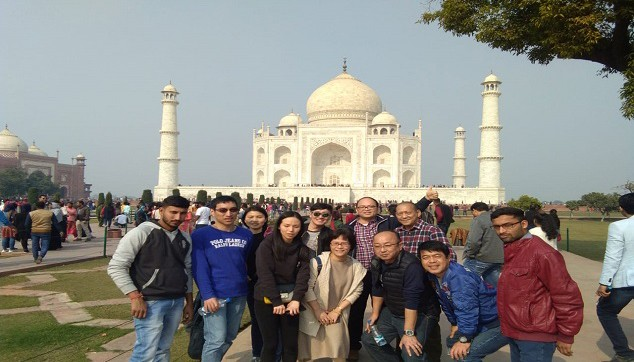 Taj Mahal Tour From Hyderabad With Flight