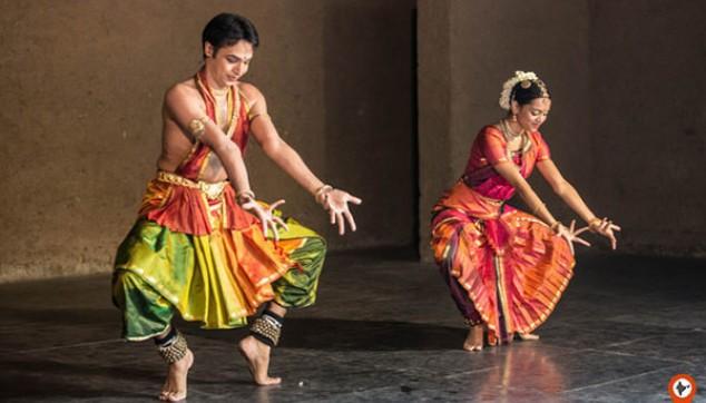 Bharatnatyam-performer