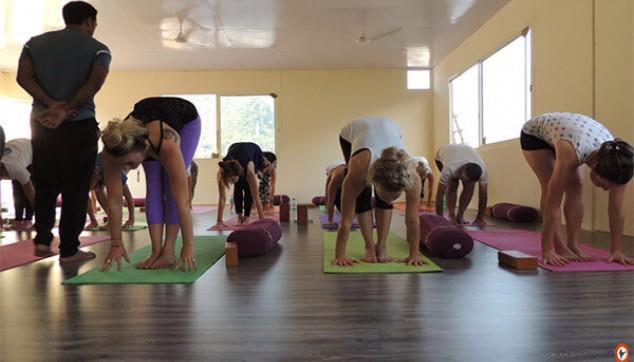 same day tour to the Yoga Ashram in Rishikesh