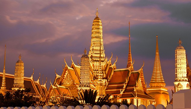 Bangkok city tour with famous temples