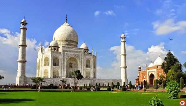 Same Day Tour to Taj Mahal