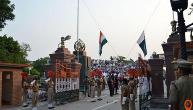 Evening Wagah Border Indo Pak Beating Retreat followed by dinner