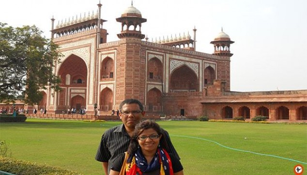 Visit the Agra tomb