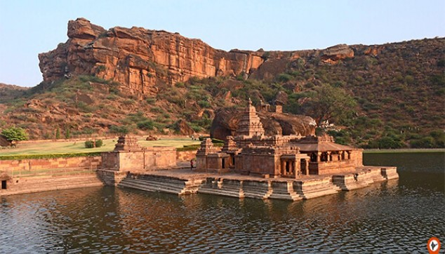 Hampi Tour With Badami And Aihole