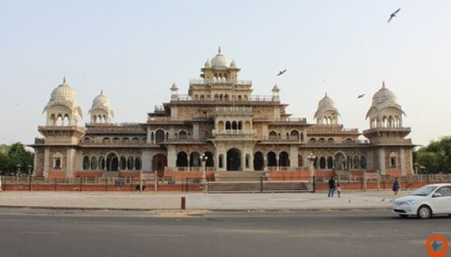 Jaipur Tour with Chokhi Dhani village tour