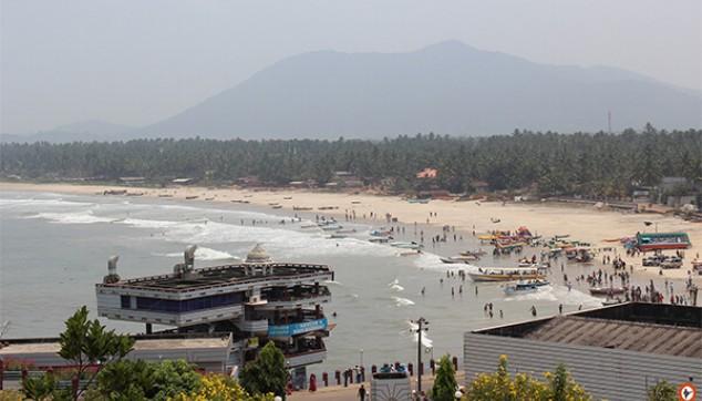 Visit Murudeshwara Beach in Karnataka