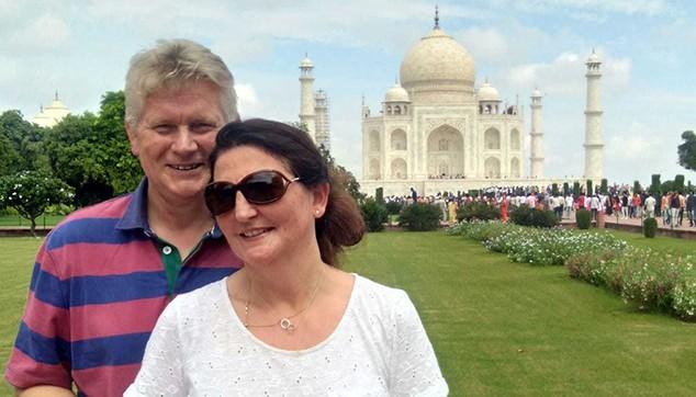 tour from Mumbai to Agra