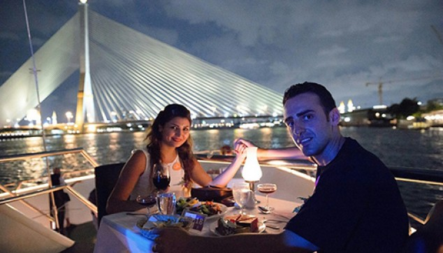 Bangkok dinner cruise tour