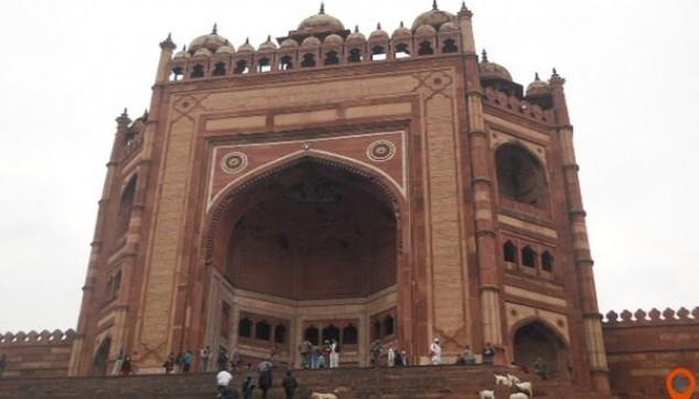 Tour to Fatehpur Sikri