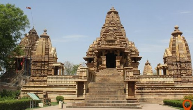 Khajuraho temples tour with museum and show