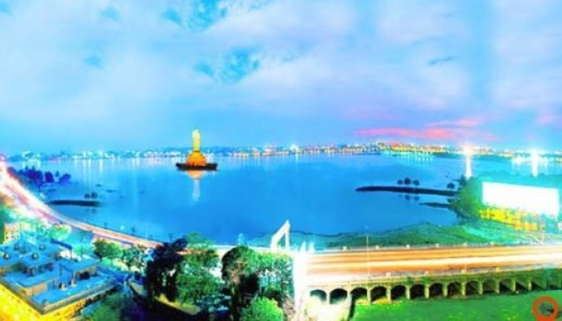 evening Hyderabad tour with Boat Ride Laser Show and dinner