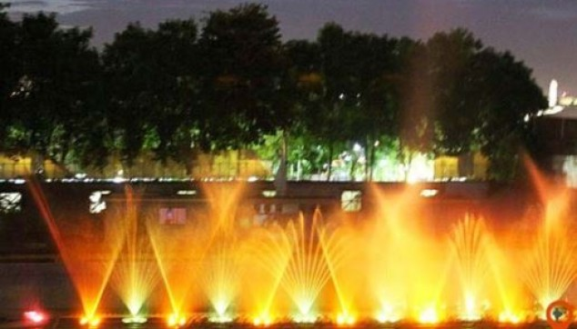 Hyderabad evening excursion covers the Birla Temple, NRT Garden, and marine drive