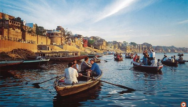 Sunrise Boat Ride in Ganga with the Visit of Ghats and Morning Rituals